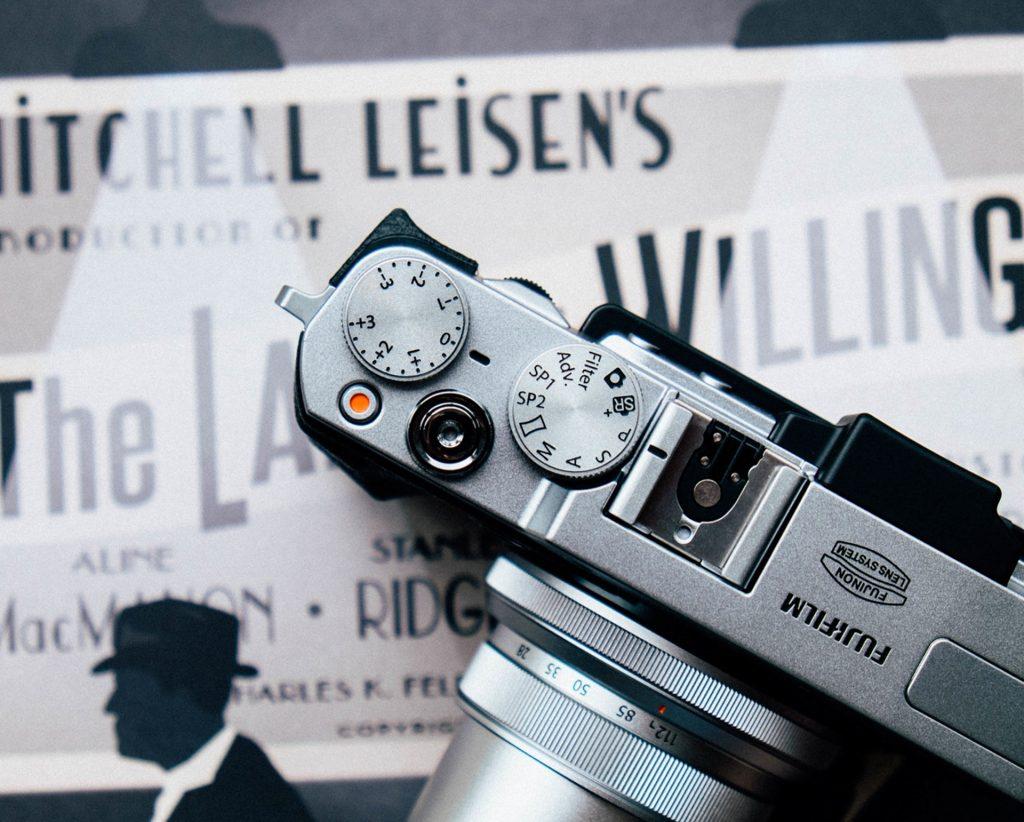 Eine analoge Kamera, stellvertretend für Rechtliches, also mein Impressum.